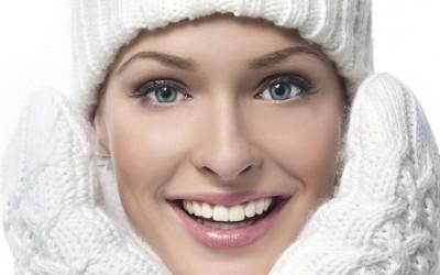 Как сохранить прическу под шапкой зимой — 5 решений проблемы